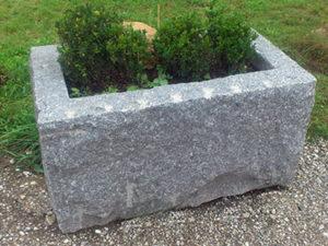 Tröge und Zubehör aus Naturstein